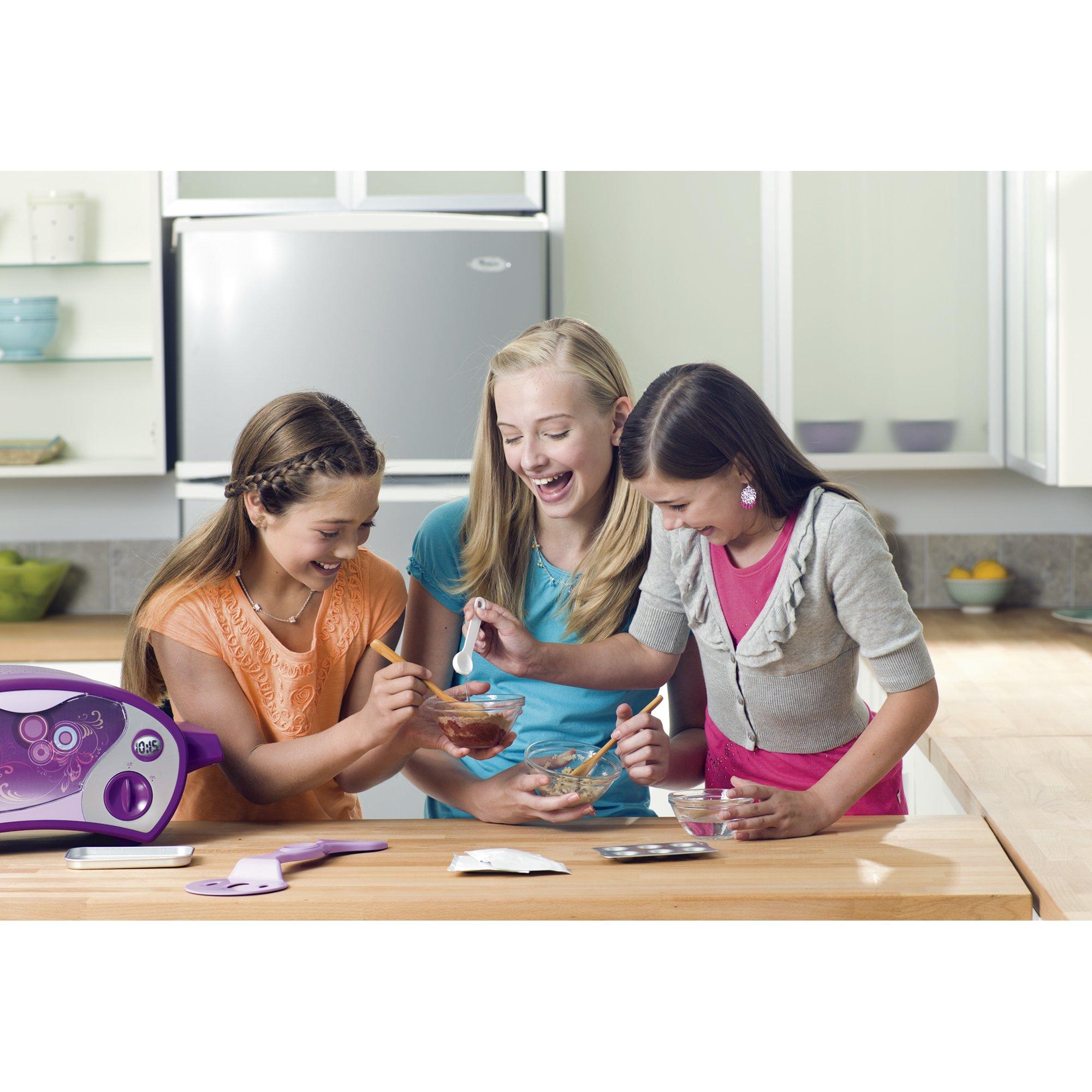Easy-Bake Ultimate Oven, Purple (Amazon Exclusive) by Easy Bake