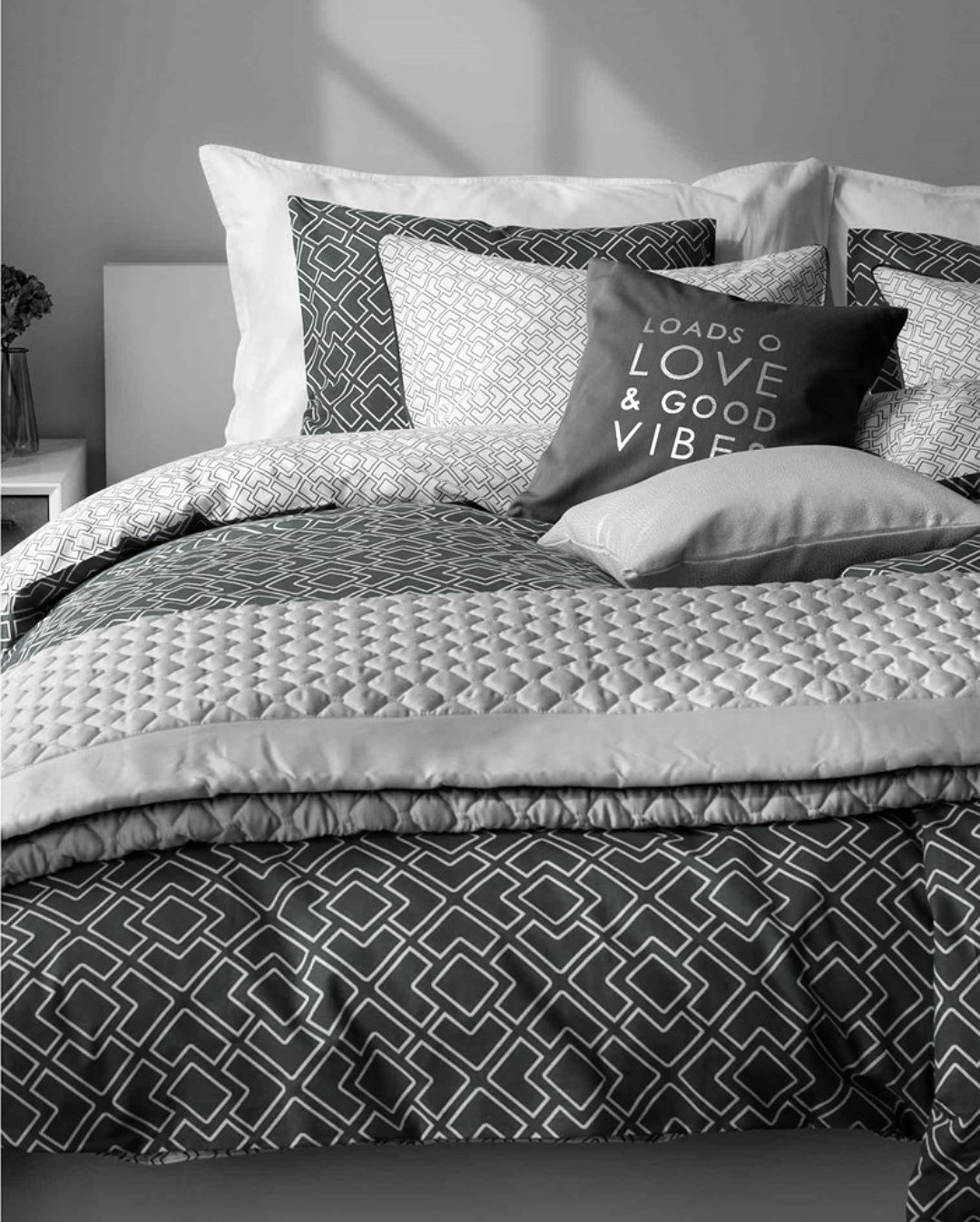 Modern quilt bedding - Amazon Com Mid Century Modern Bedding Geo Print Duvet Quilt Cover Set Light Grey Taupe Geometric Triangle Elements Chevron Pattern 100 Cotton Minimalist