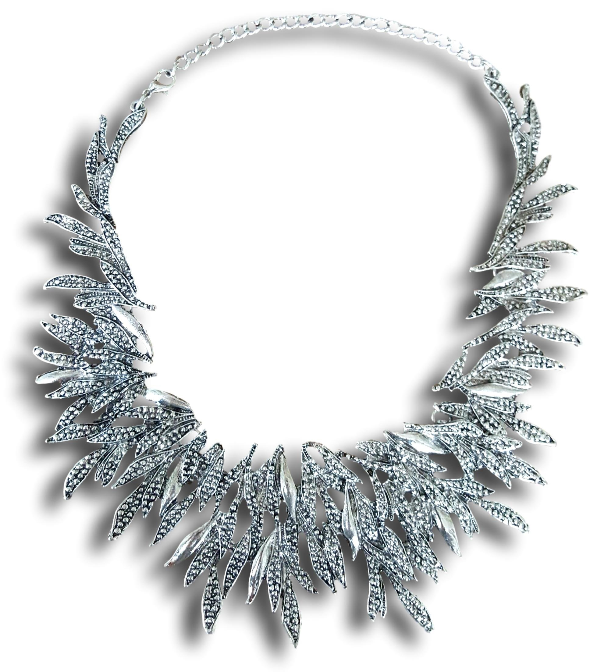 Classic Pointy Leaf Cluster Collar Choker Necklace by Pashal (Silver)