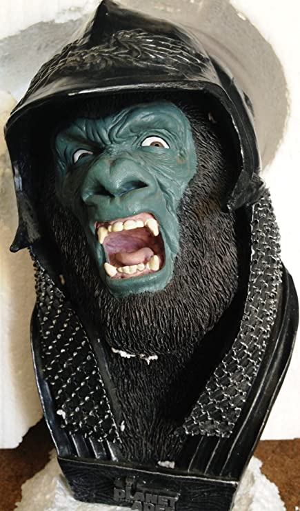 Amazon Com Planet Of The Apes 2001 Attar Bust Statue Toys Games