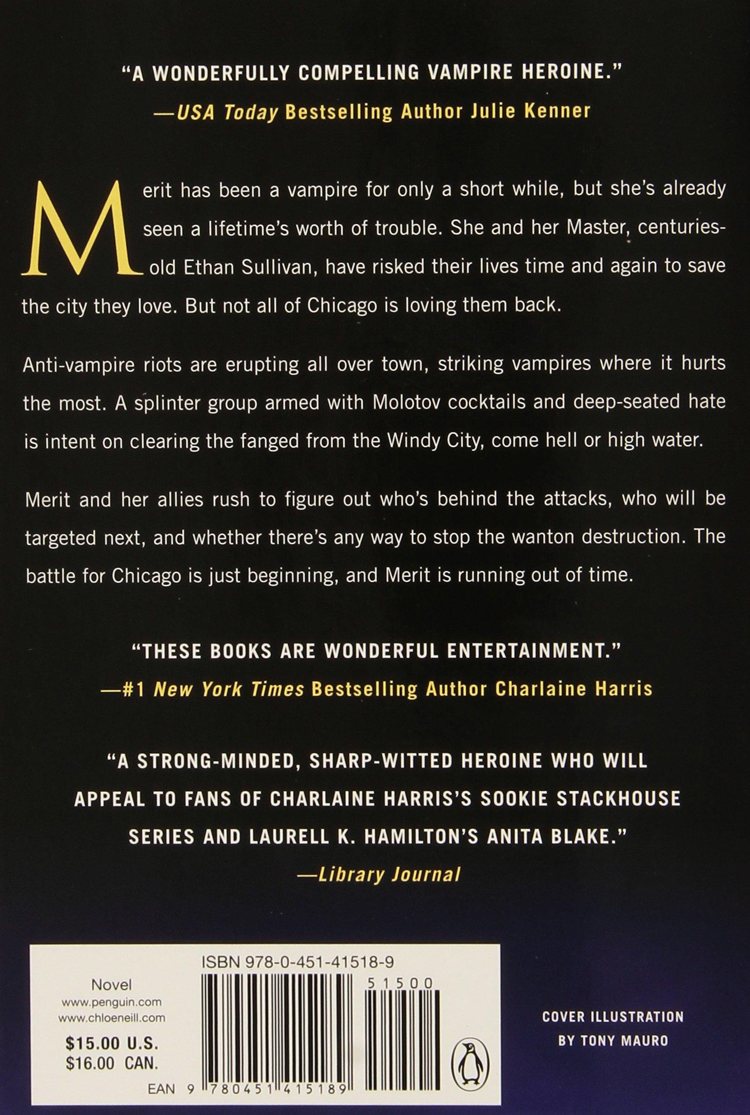 Biting Bad (chicagoland Vampires): Chloe Neill: 9780451415189: Amazon:  Books
