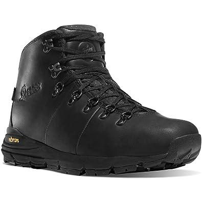 "Danner Men's Mountain 600 Carbon Full Grain 4.5"" Boot & Knit Cap Bundle"