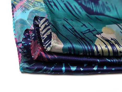 df83013d790c Luciphia Foulard Carré Imprimé Ethnique pour Femme 90cm 90cm  Amazon.fr   Vêtements et accessoires