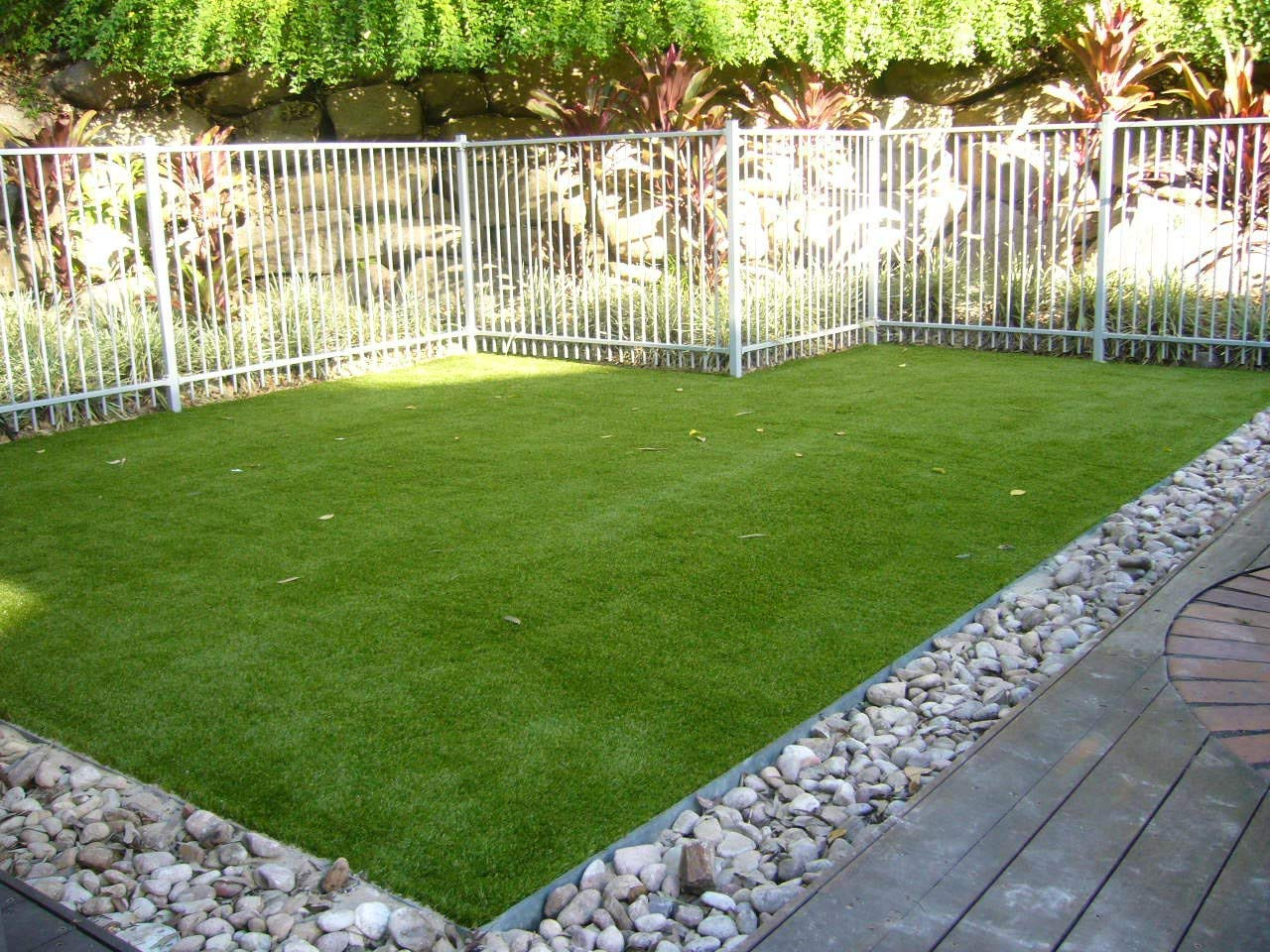 Artificial lawn x 6.5' Synthetic Turf Artficial Grass Dog Pet Area Indoor Outdoor Landscape, 5.5'x6.5', Green