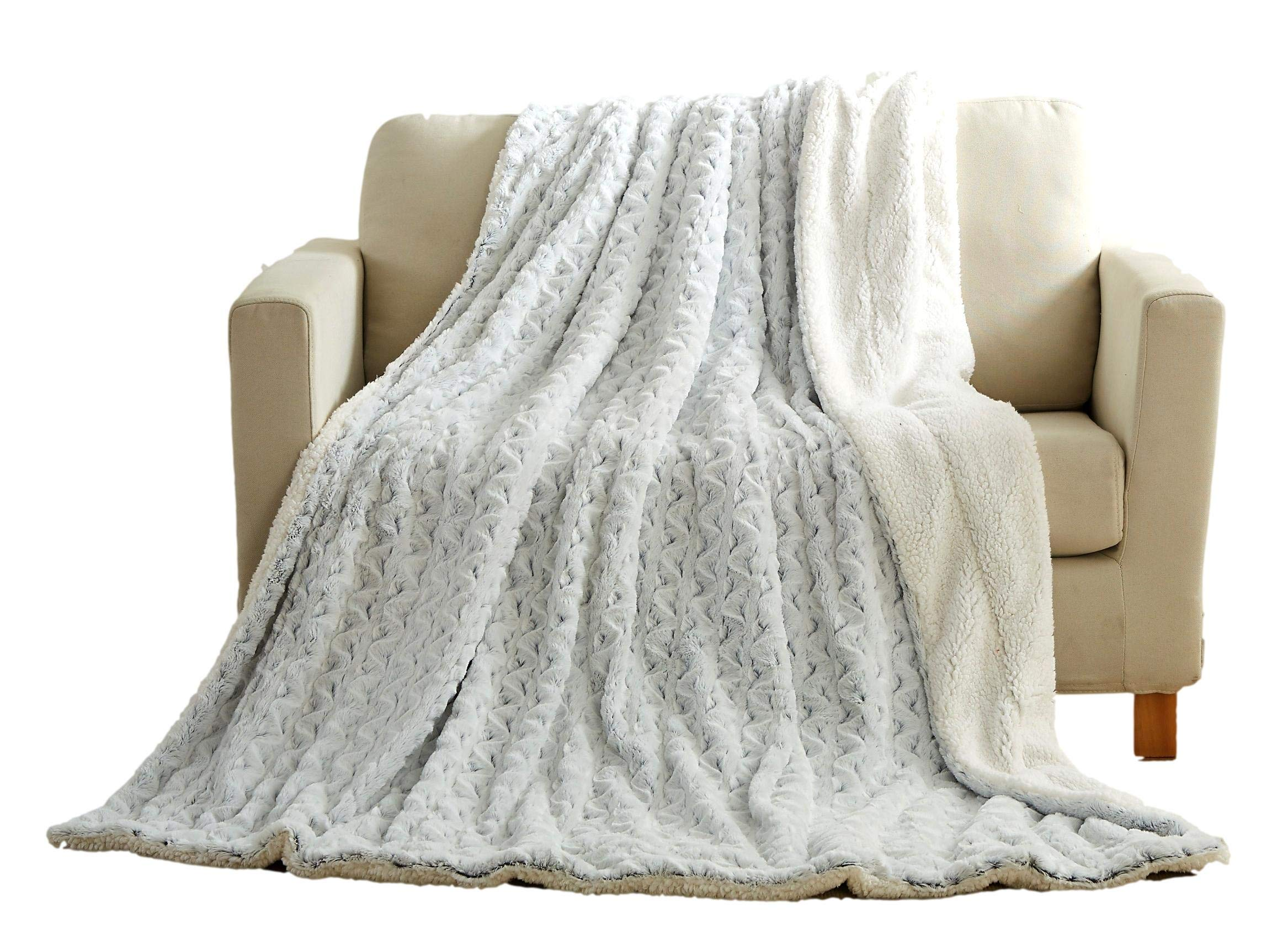 Tache 63x87 Inch Faux Fur Snowy Owl White Cozy and Cuddly, Super Soft Warm with Sherpa Back Throw Blanket for Sofa, Couch and Bed Twin Size