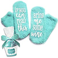 """Luxus-Wein-Socken mit""""If You Can Read This Bring Me Some Wine"""" mit Cupcake-Geschenkverpackung von Smith's (Geschenkidee, lustiges Wein-Zubehör für Frauen, tolles Geburtstags- & Gastgeschenk)"""