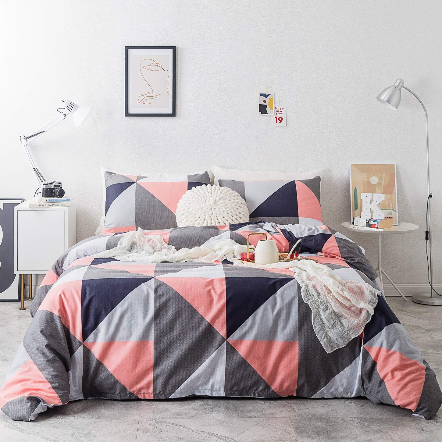 SUSYBAO 3 Piece Duvet Cover Set Queen Size 100% Natural Cotton Pink and Gray Triangle Bedding Set 1 Geometric Duvet Cover with Zipper Ties 2 Pillow Cases Hotel Quality Soft Breathable Lightweight Warm