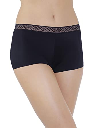 7eb1030fd73 Vassarette Women s Invisibly Smooth Boyshort Panty 12383 at Amazon ...