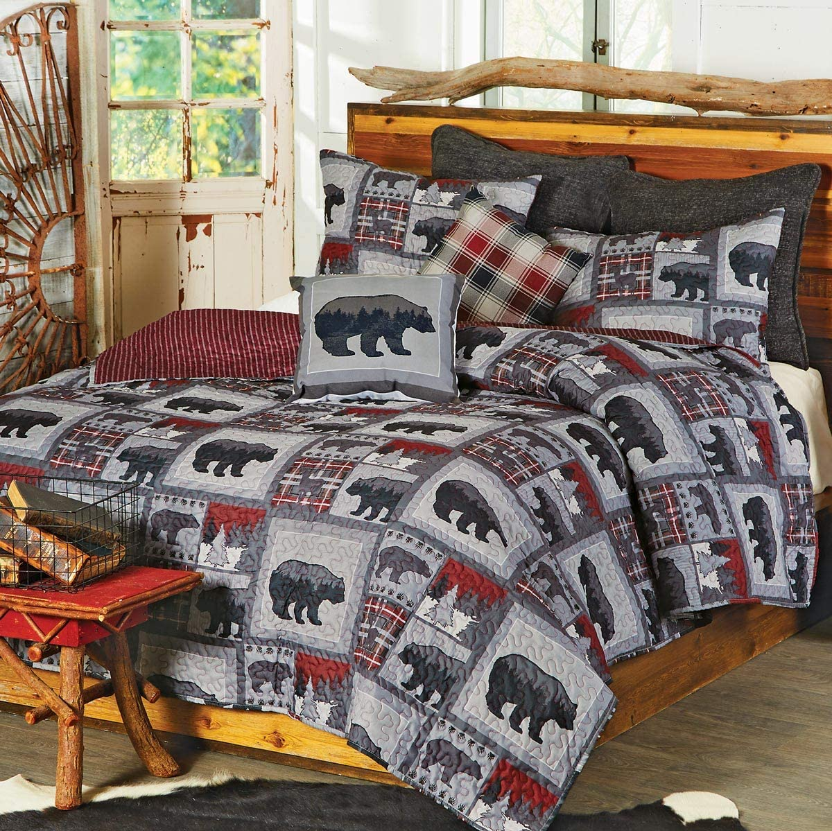 Black Bear Lodge Quilt Set - Queen