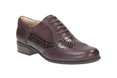 cf7b7fcbec33 Image Unavailable. Image not available for. Colour  Clarks Women s Lace-Up  Flats Wing Tip Brogue Shoes Hamble Oak Aubergine Leather