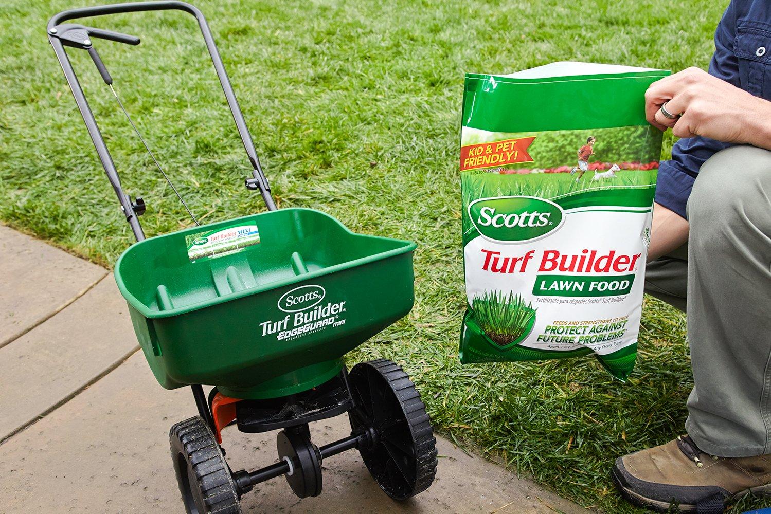 Scotts Turf Builder 500 sq Fertilizer Image 2