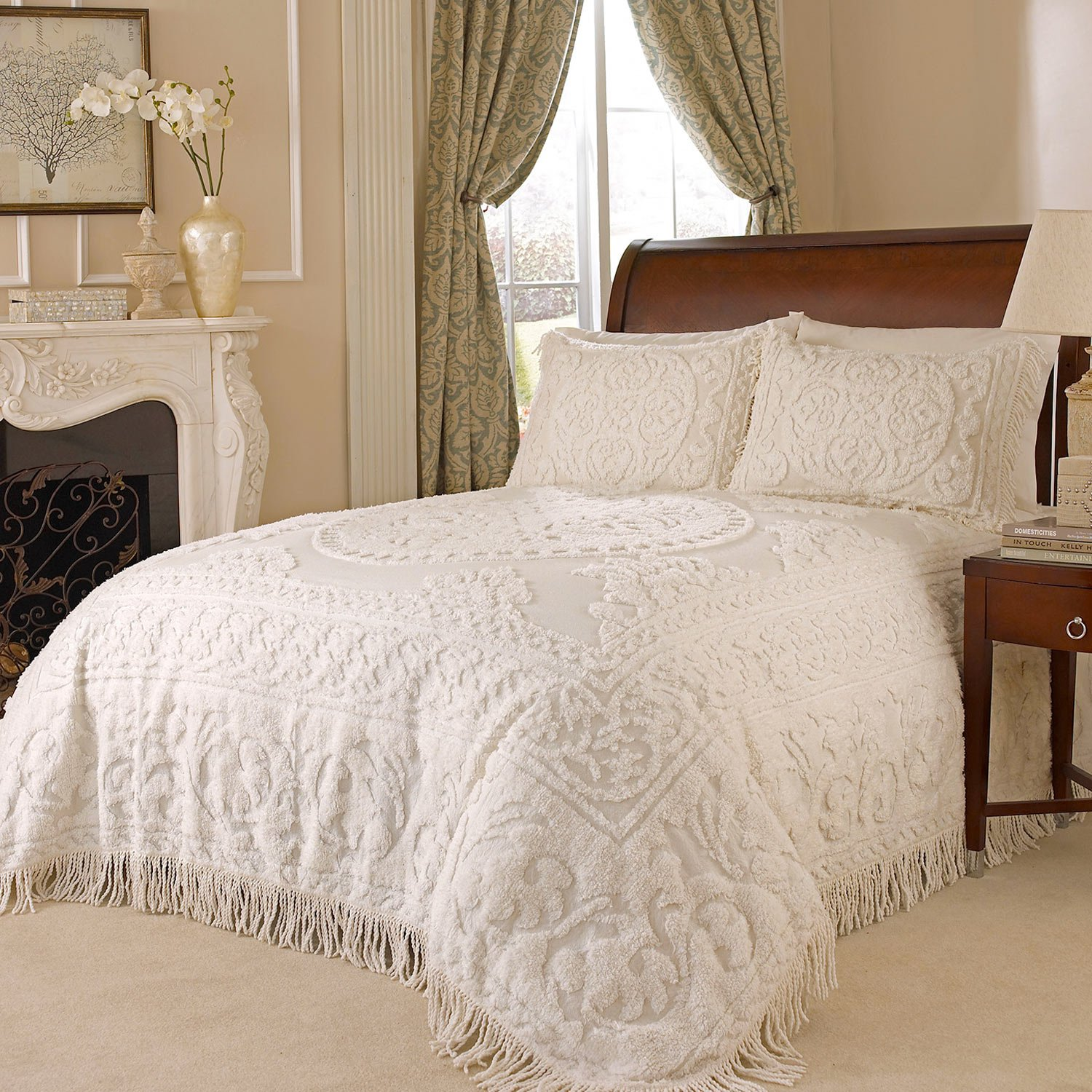 Beatrice Home Fashions Medallion Chenille Bedspread, King, Ivory by Beatrice Home Fashions