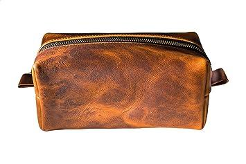 f09634375eb6 Amazon.com   Toiletry Bag in Full-Grain Chestnut Leather