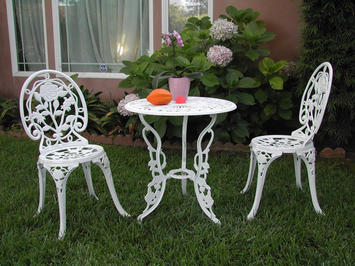 amazoncom outdoor patio furniture 3 piece cast aluminum bistro set f cbm1290 garden outdoor - Garden Furniture 3 Piece