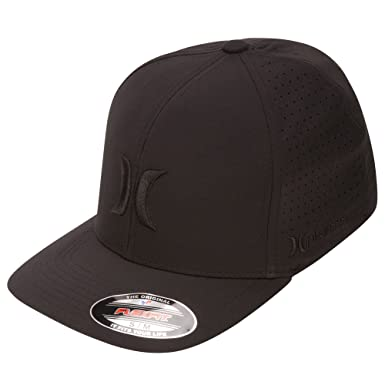 uk availability 87cc3 ac902 Amazon.com  Hurley MHA0007160 Mens Phantom Vapor 2.0 Fitted Hat, Black -  S-M  Clothing