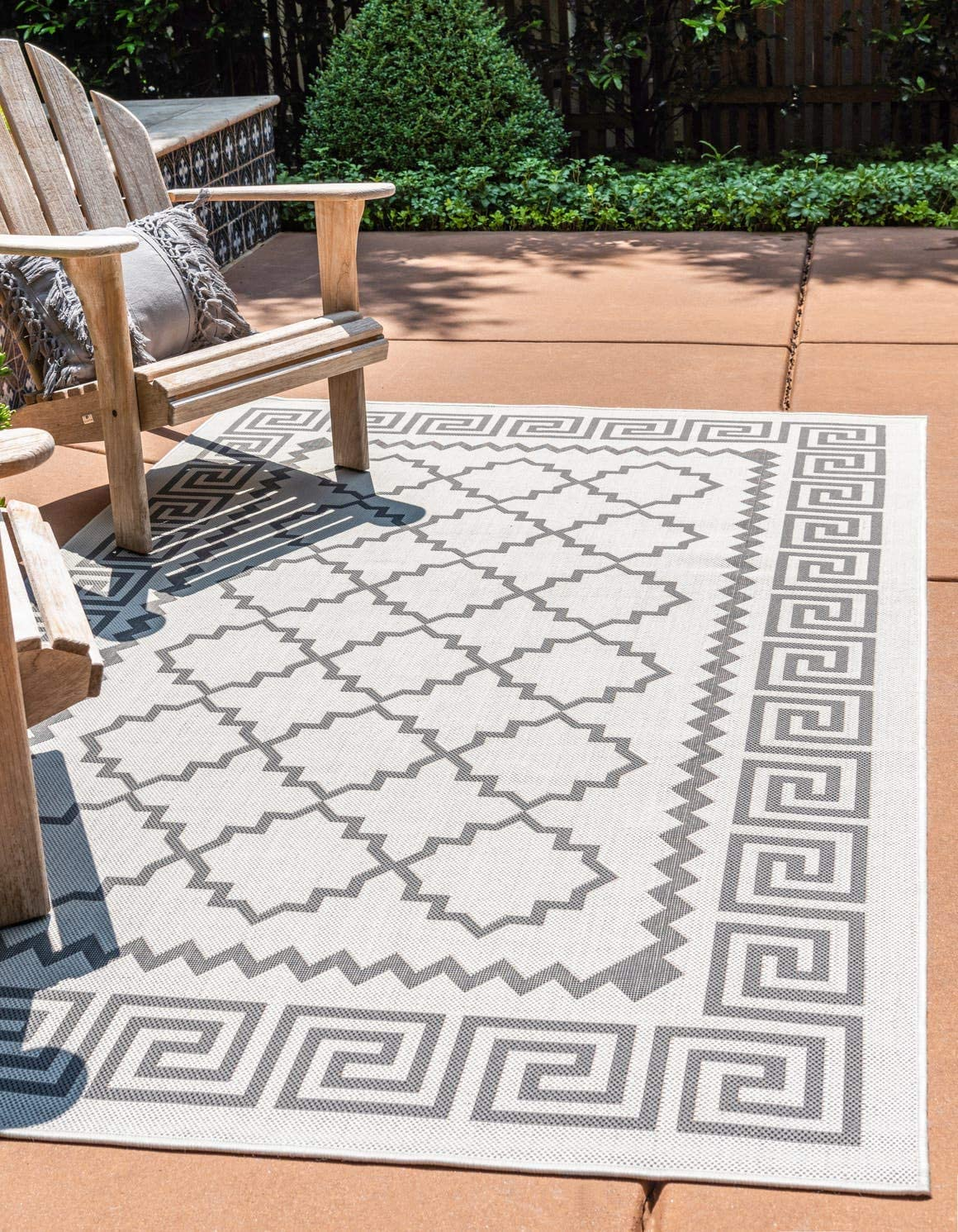 Unique Loom Outdoor Trellis Collection Greek Key Border Geometric Transitional Indoor and Outdoor Flatweave Gray Black Area Rug 6 0 x 9 0