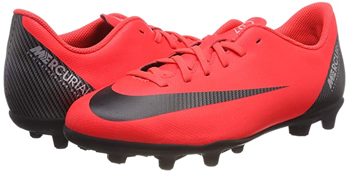 the latest a4a25 fb98c Amazon.com   Nike JR Mercurial Vapor 12 Club GS CR7 MG Soccer Cleat (Bright  Crimson) (2Y)   Soccer