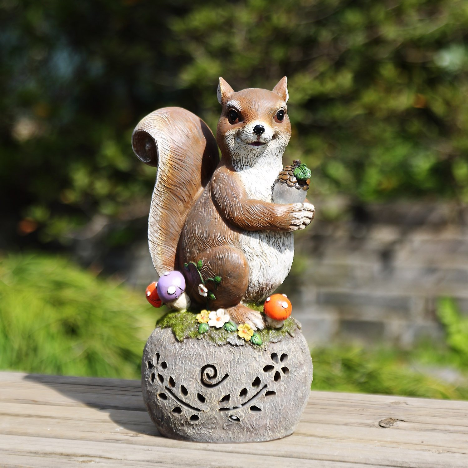 Ivy Home Solar Statues for Garden,the Squirrel Carried a Nut