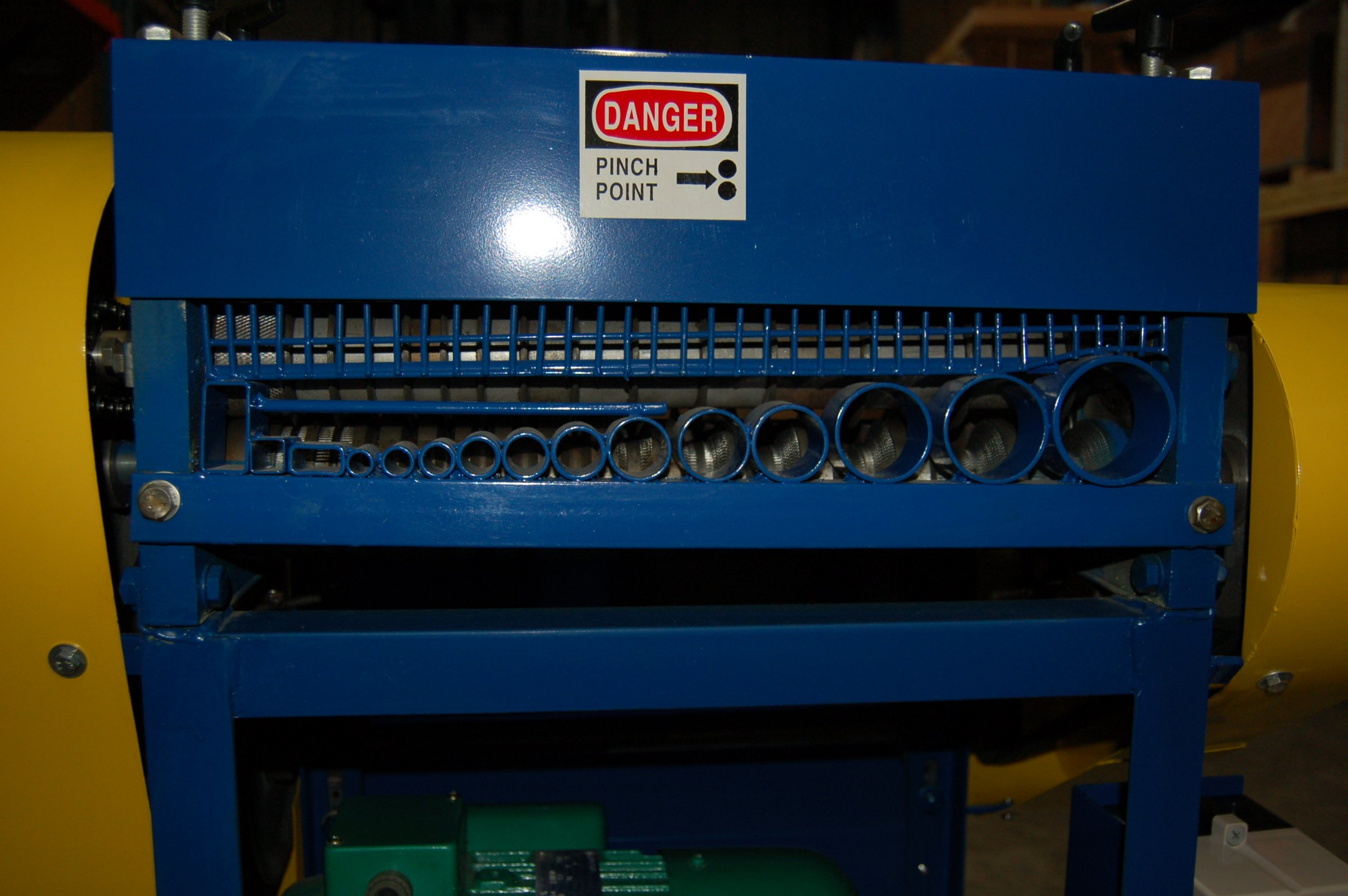 STRiPiNATOR Model 945 Wire Stripping Machine Scrap Copper Wire Recycler by ... by BLUEROCK (Image #6)