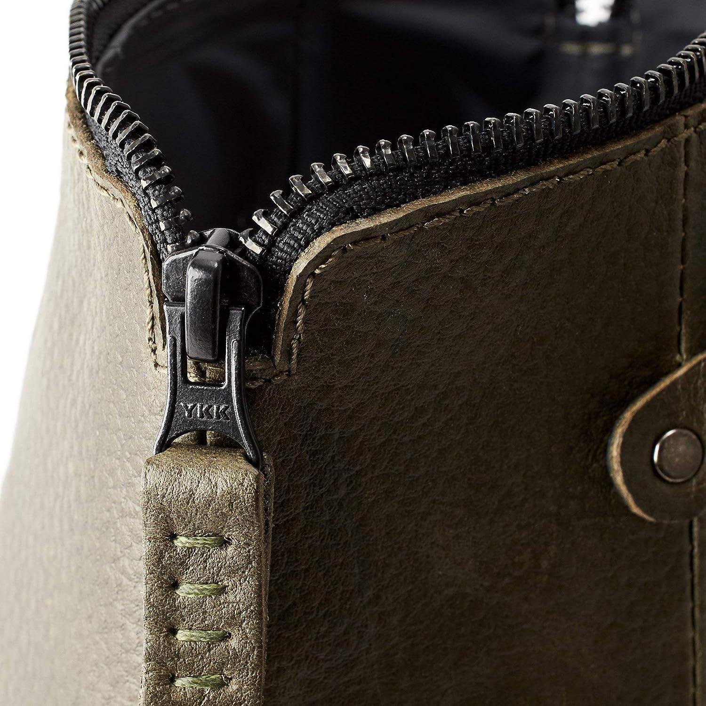 cbc5d01e0f Amazon.com  Capra Leather Hanging Toiletry Wash Bag for Men