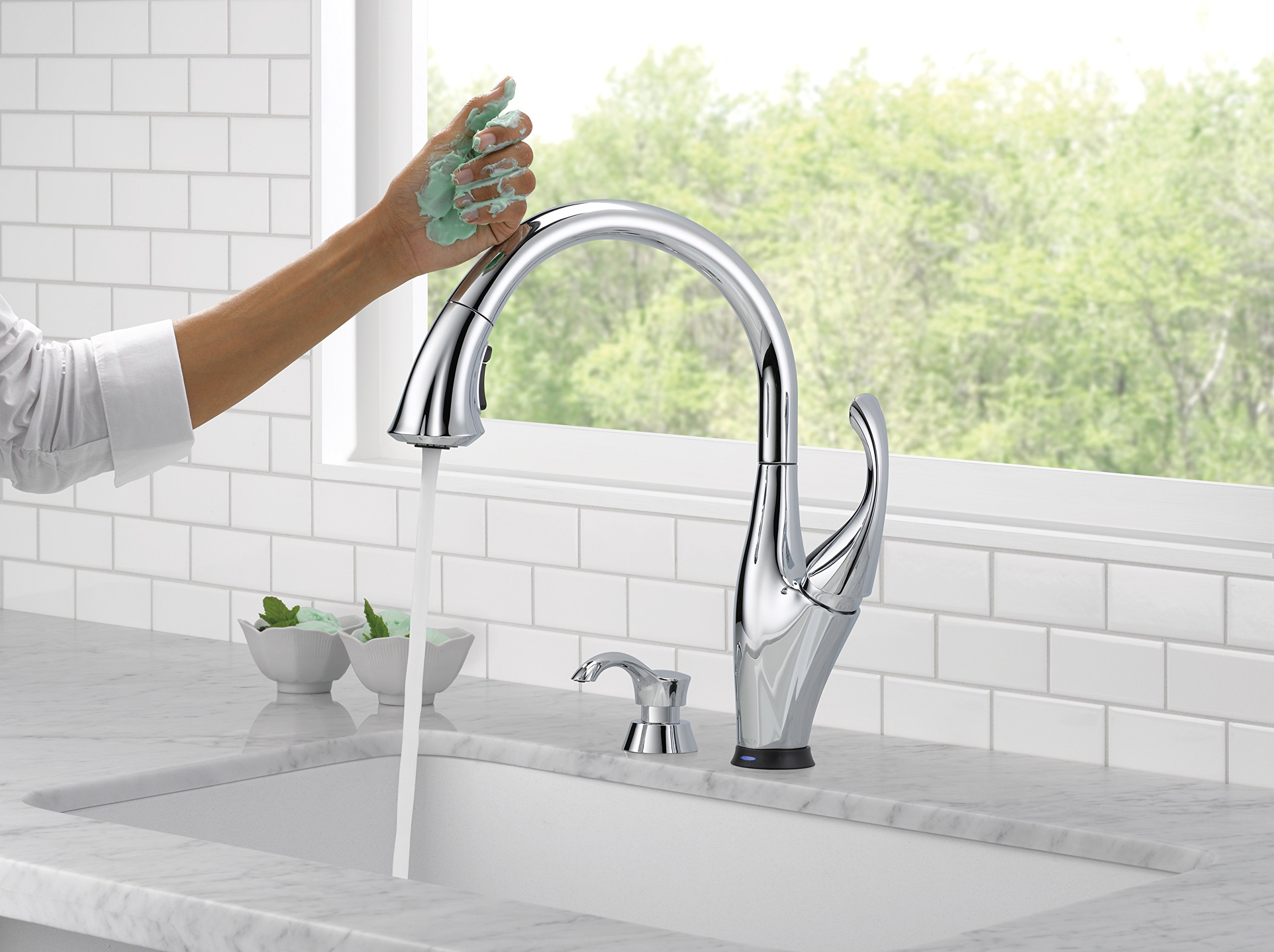 Delta Faucet 9192T-SD-DST Addison Single Handle Pull-Down Kitchen Faucet with Touch2O Technology and Soap Dispenser, Chrome by DELTA FAUCET (Image #2)