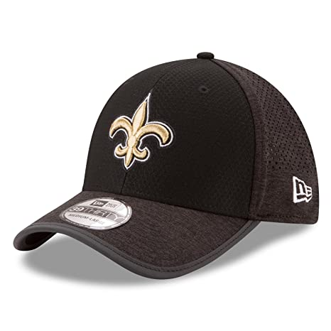 f4208b9eb Amazon.com  New Era Men s New Orleans Saints 2017 Training Camp 39Thirty  Black Flex Hat (SM)  Sports   Outdoors