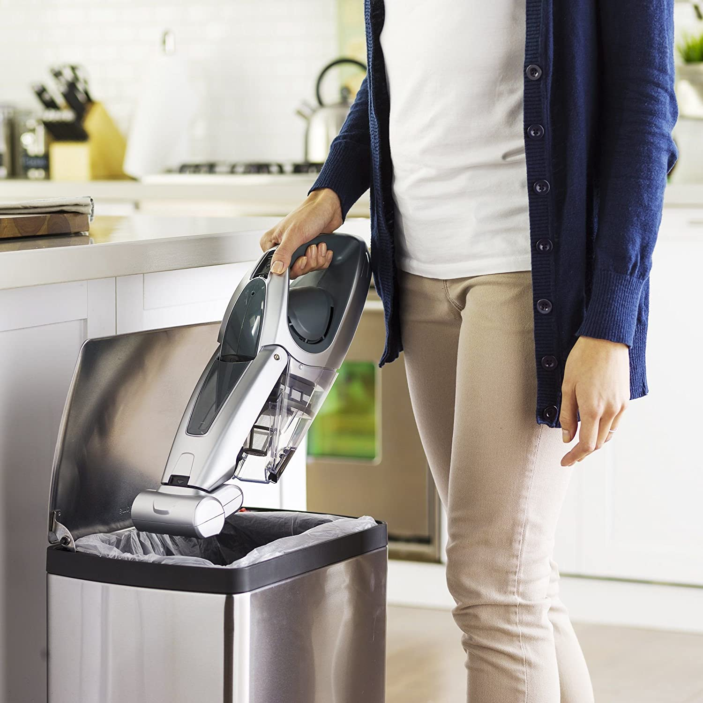 Maintaining a cordless vacuum