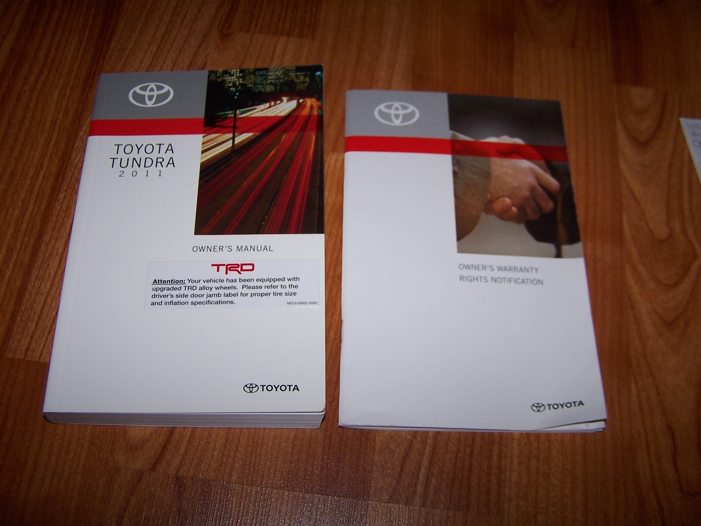 2011 toyota tundra owners manual toyota amazon com books rh amazon com toyota tundra owners manual 2014 2011 toyota tundra crewmax owners manual