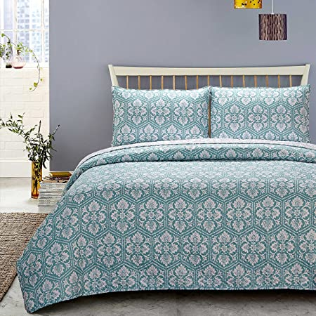 Skipper Furnishings Quilted and Reversible Microfibre Double Bed Spread and 2 Pillow Covers - Blue