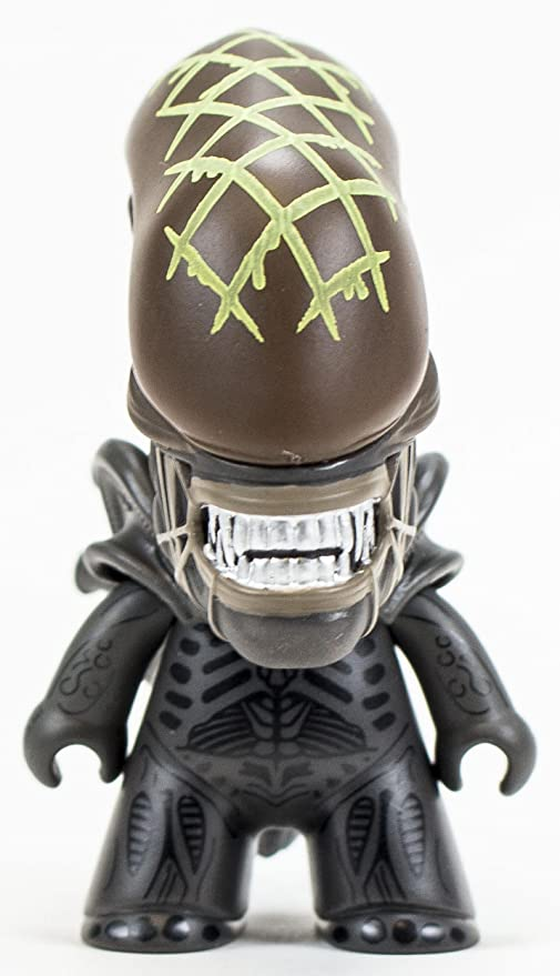 Amazon.com: Loot Crate AVP Alien vs Predator Vinyl Figure ...