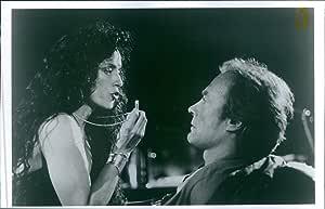 Vintage photo de Still de Clint Eastwood y Sonia Braga en