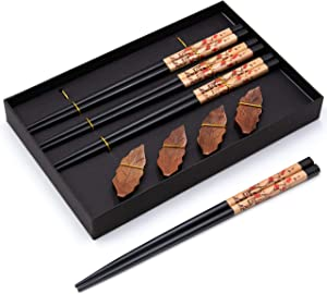 QA 4 Pairs Wood Chopsticks with Chopstick Rests - Reusable Classic Style Chopsticks, Natural Wooden Minimalism Chinese Japanese Korean Chopsticks Gift Set for Asian Food