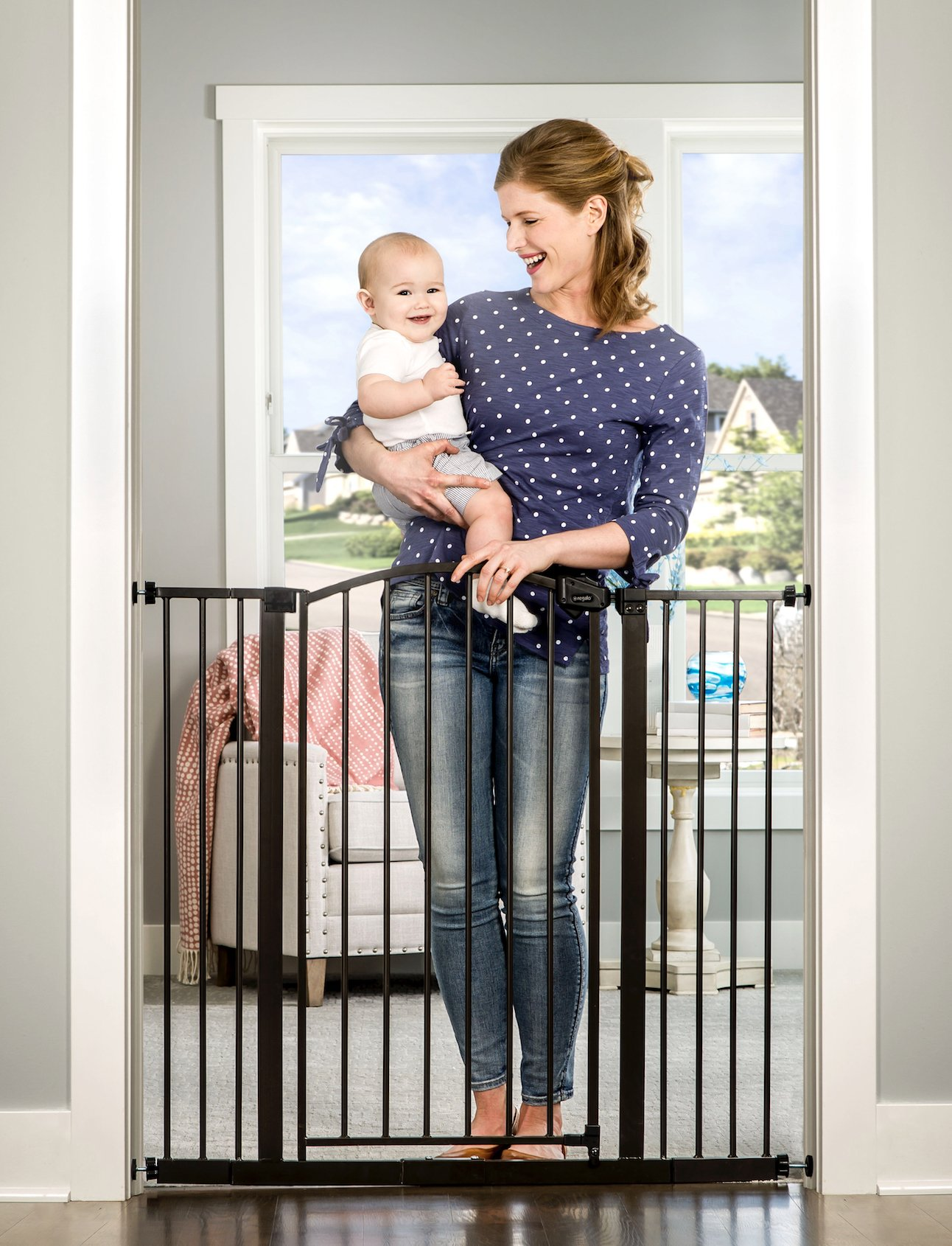 Regalo Easy Step Arched Decor Extra Tall Safety Gate, Bronze
