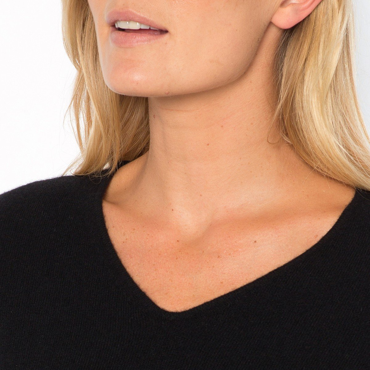 La Redoute Womens Fine Knit Cashmere V-Neck Jumper/Sweater Black Size Us 16/18 - Fr 46/48 by La Redoute (Image #4)