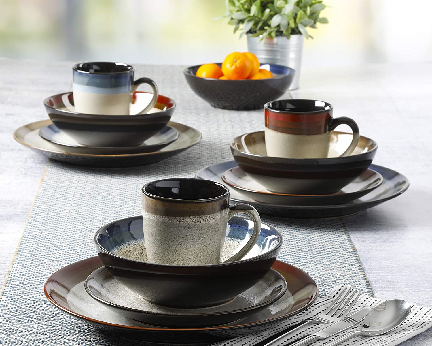 Brown and Cream Gibson Elite Luna Eclipse Coupe Reactive Glaze Stoneware Dinnerware Sets 16pcs Service for Four