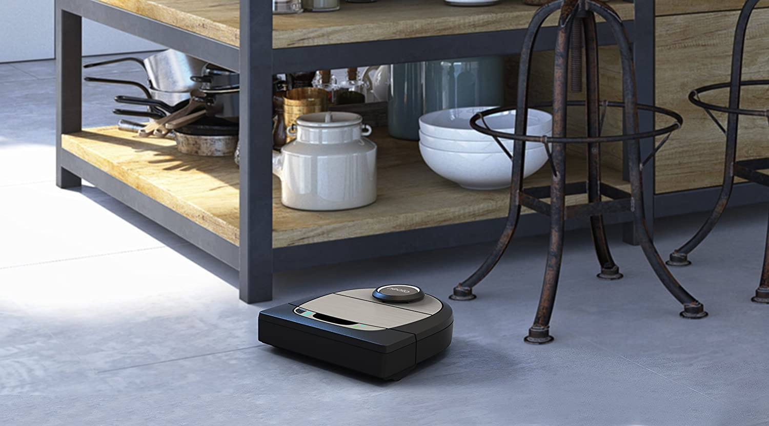 Neato Robotics D7 Robot Vacuum Cleaner