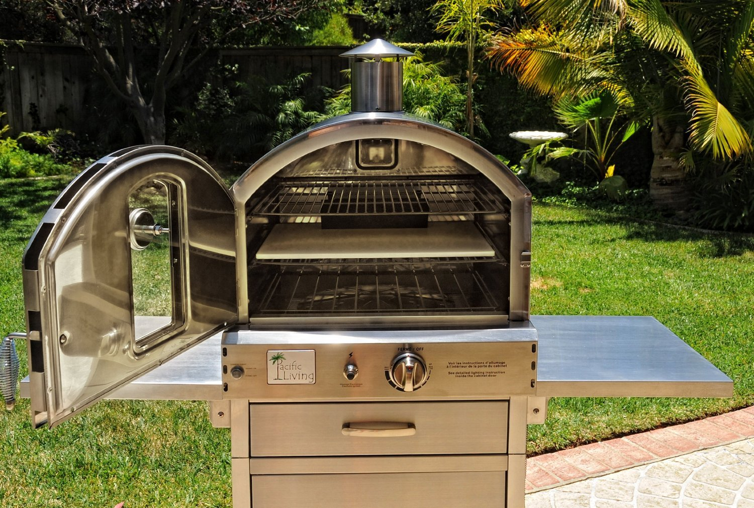 amazoncom pacific living outdoor large capacity gas oven with pizza stone smoker box and mobile cart 430 stainless steel grills garden