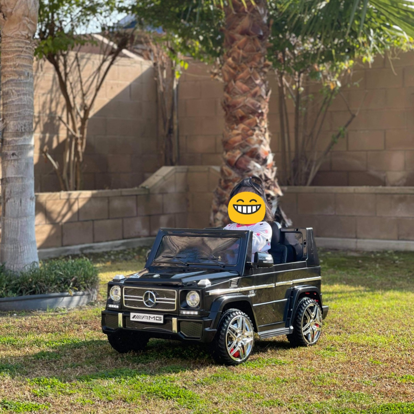 12V Benz AMG G63 Electric Ride On Car for Kids with Remote Control, Black photo review