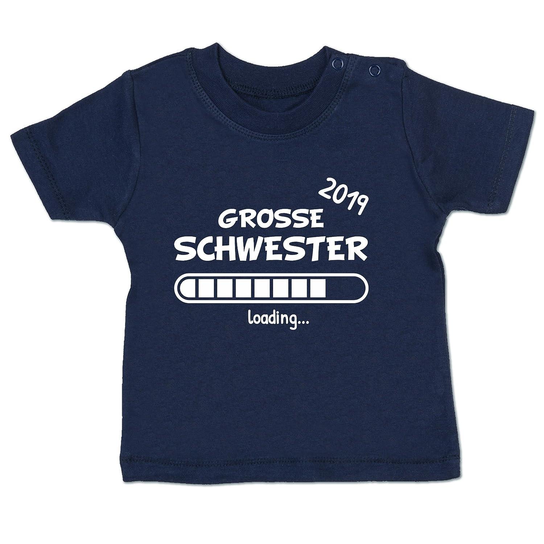 Shirtracer Geschwisterliebe Baby - Große Schwester Loading 2019 - Babyshirt Kurzarm BZ02