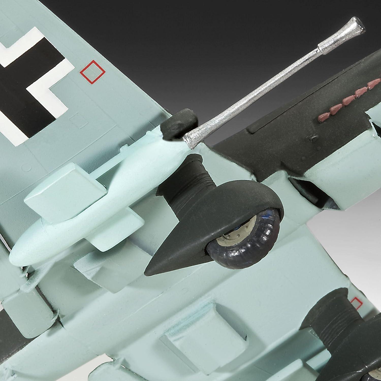 Revell 04692 Junkers JU 87 G//D Tank Buster Plastic Model Kit