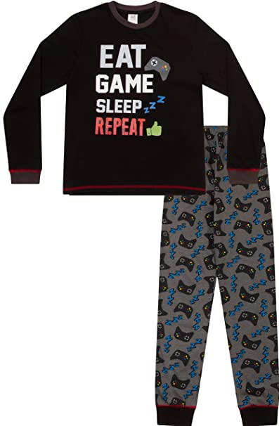 "Pijamas largos con texto en inglés ""Eat Sleep Game Repeat"","