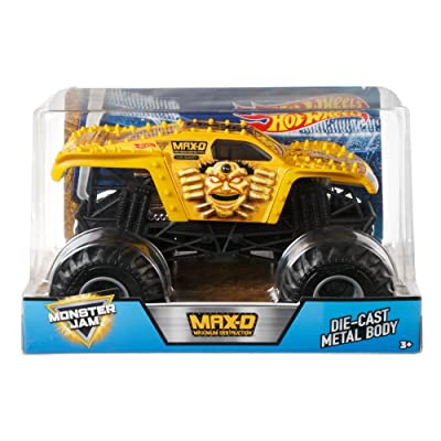 Hot Wheels Monster Jam Gold Max-D Vehicle, 1:24 Scale: Toys & Games