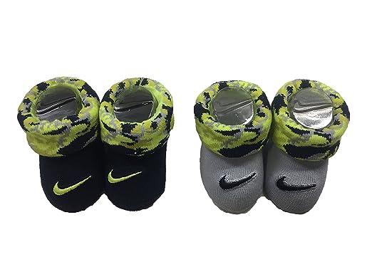 c52e2c68d064 Amazon.com  Nike Swoosh Baby Boy s Booties 2 pk  Baby