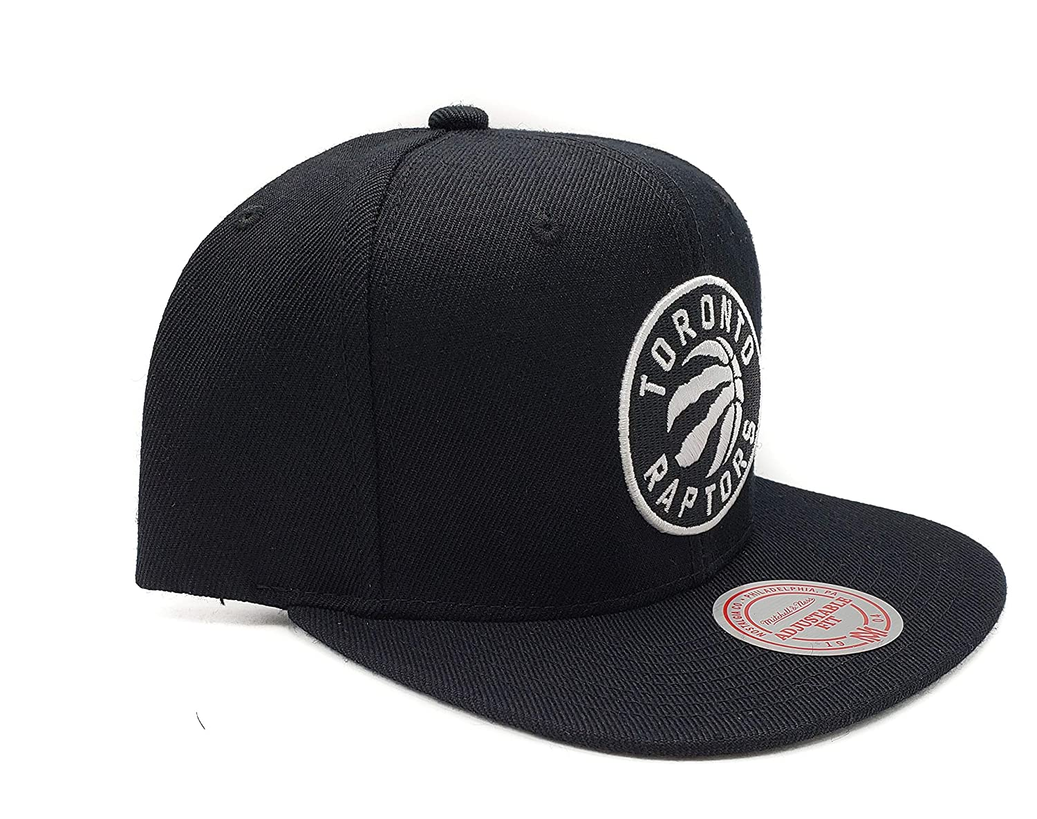 the latest b0559 69b81 Amazon.com   Mitchell   Ness Toronto Raptors Current Solid Wool Black Logo  Adjustable Snapback Hat   Sports   Outdoors