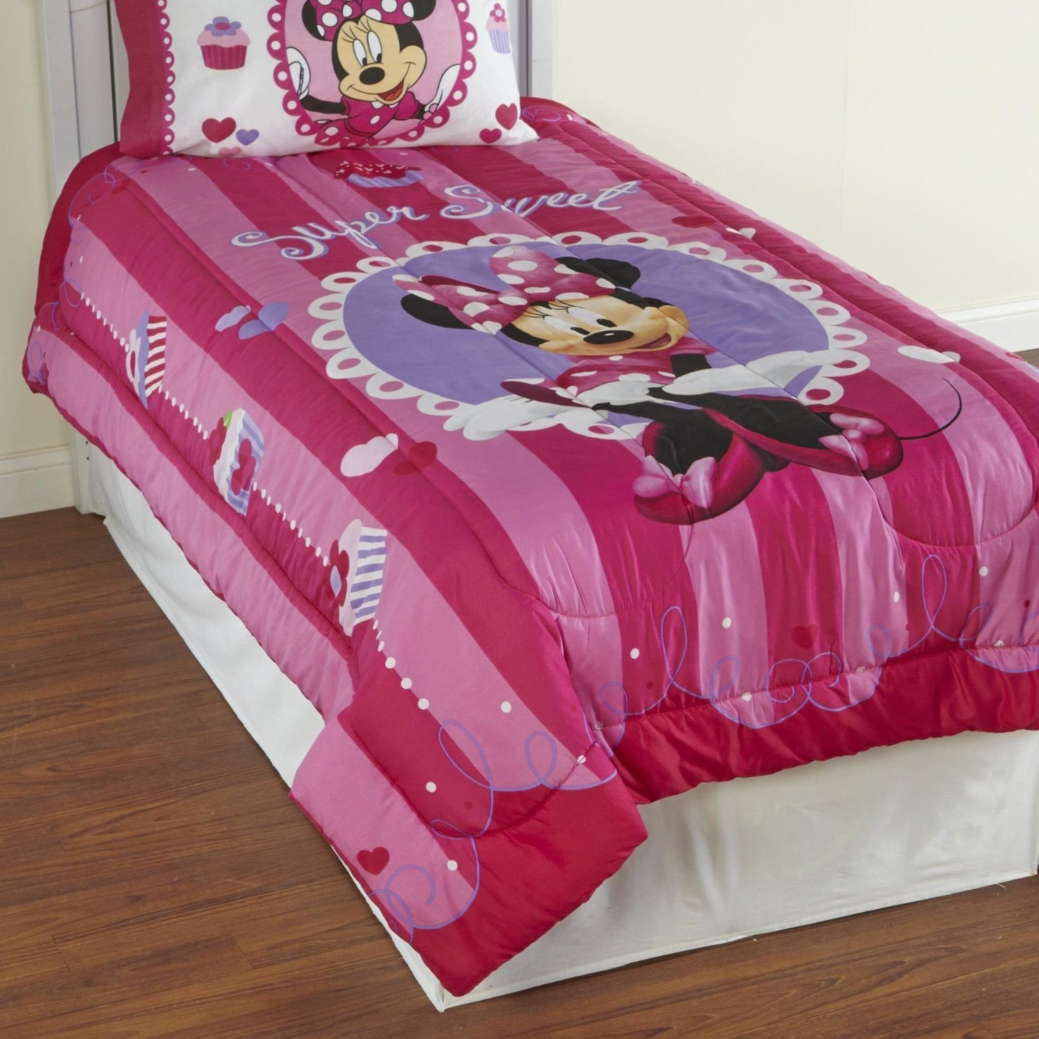 "Disney Minnie Mouse Bowtique Sweet Treats 64"" x 86"" Reversible Twin Reversible Comforter"