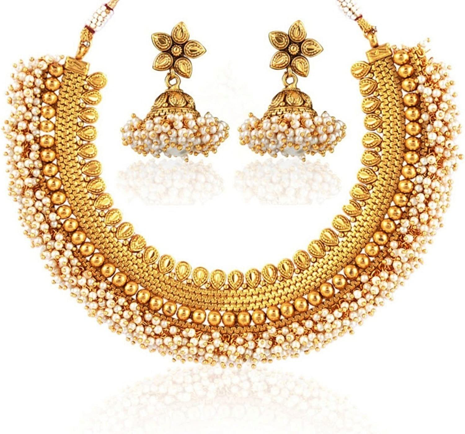 Indian jewellery. necklace with earrings Necklace