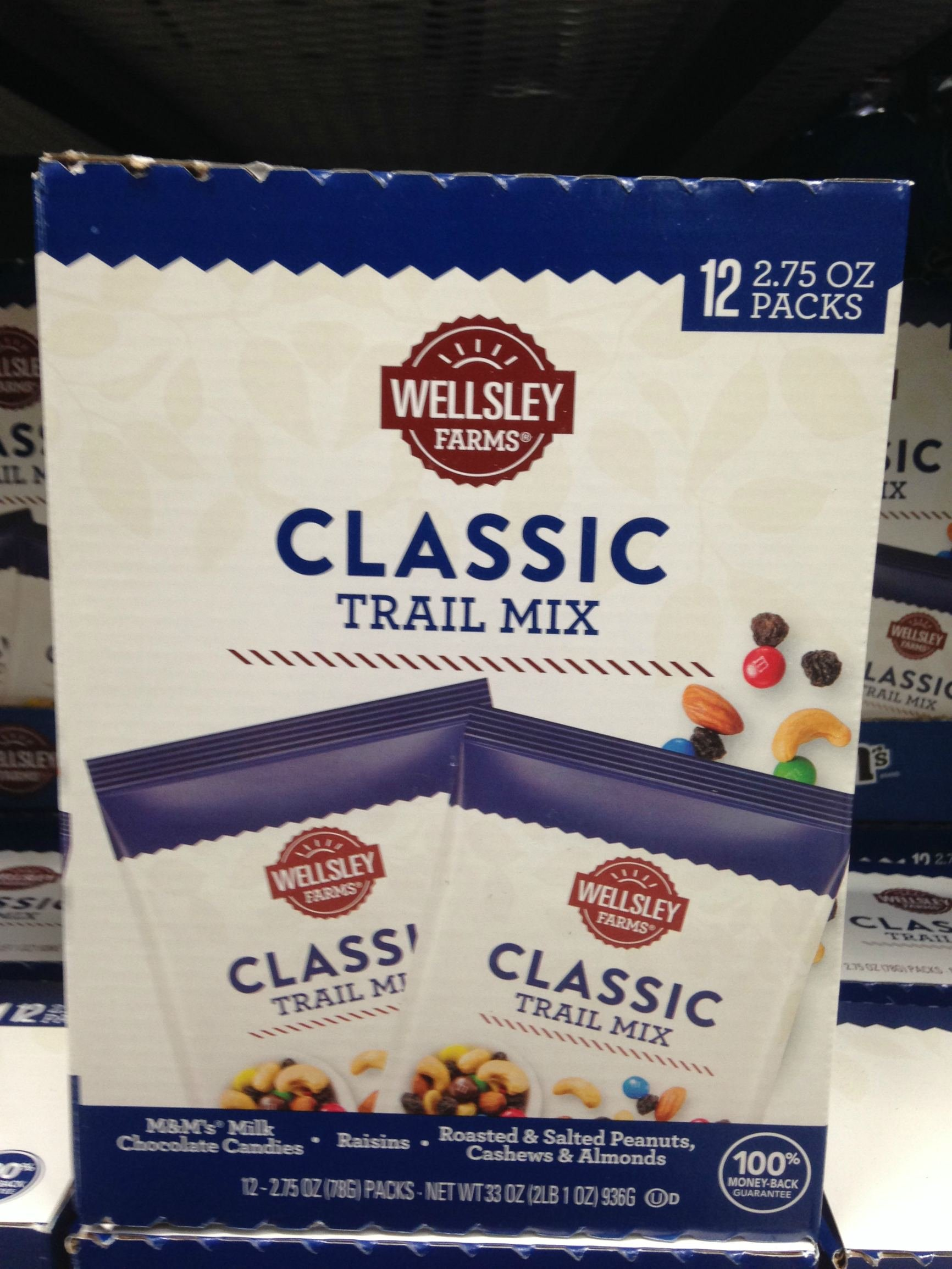 Wellsley farms classic trail mix 33 oz (pack of 6)