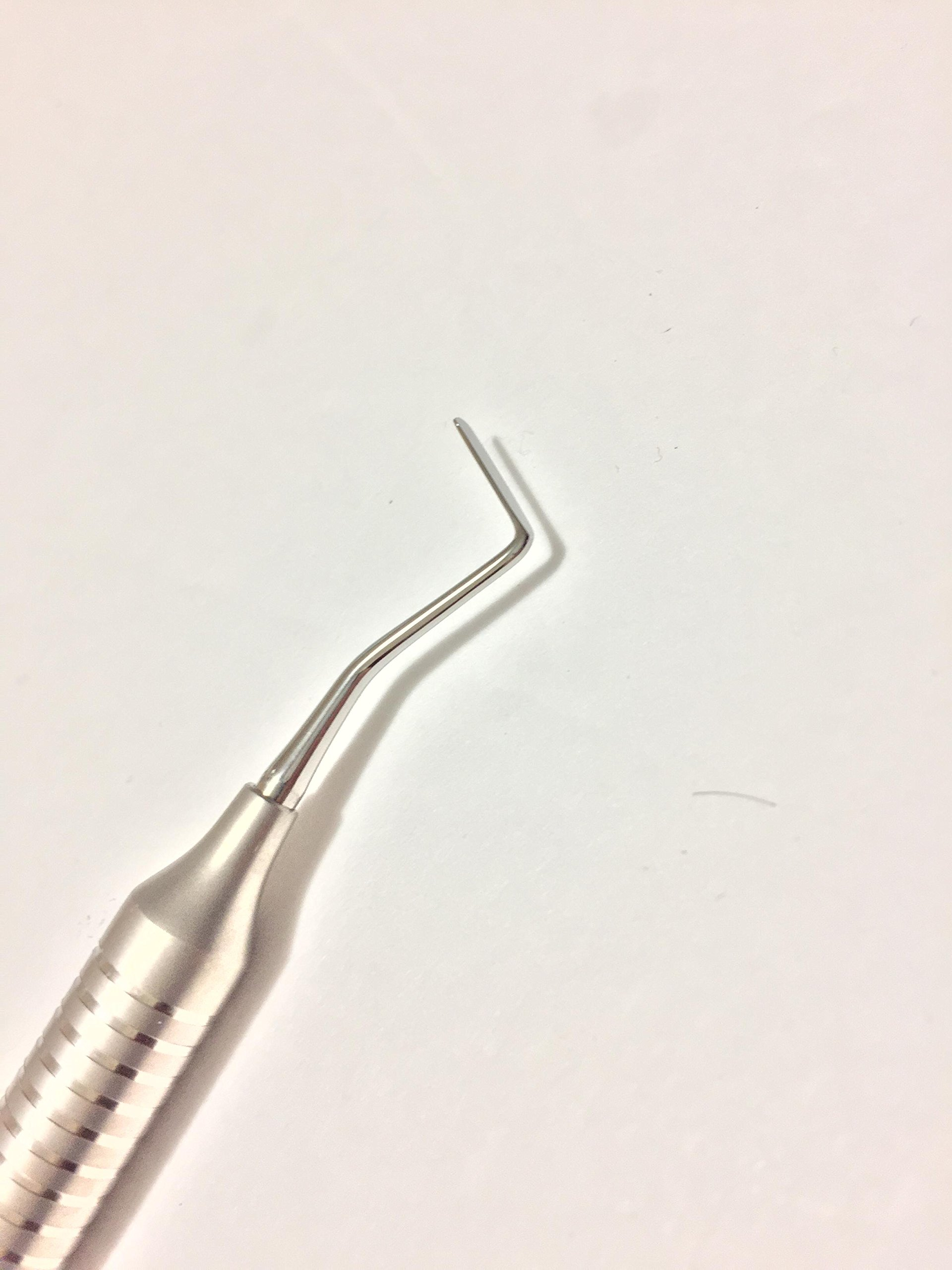 Periotome # 1 Posterior .contra-angled blades for a more frontal approach of the instrument into the posterior.