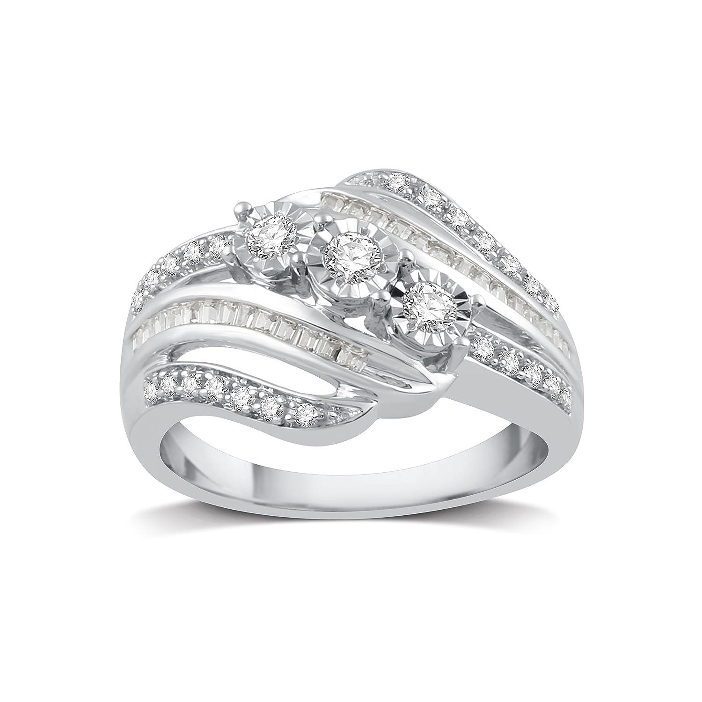 b0b3e8cfaa239 Amazon.com: DeCarat 1/4 CT.T.W. Diamond Sterling Silver Three Stone ...