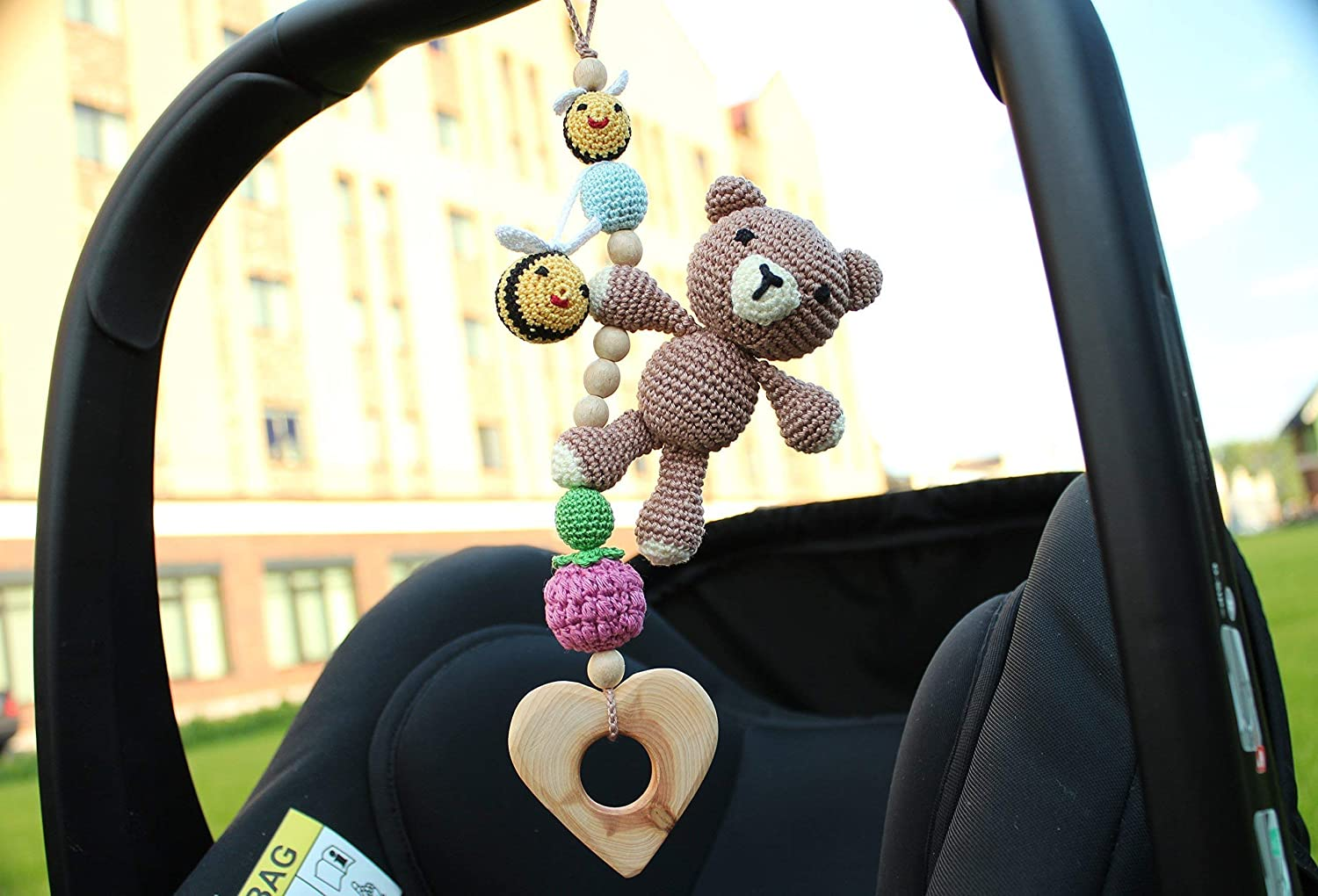Bear & bees hanging mobile, Car seat mobile, Pram mobile, stroller mobile, baby gym mobile, baby rattle, baby activity center mobile, gender neutral, woodland mobile, clip mobile